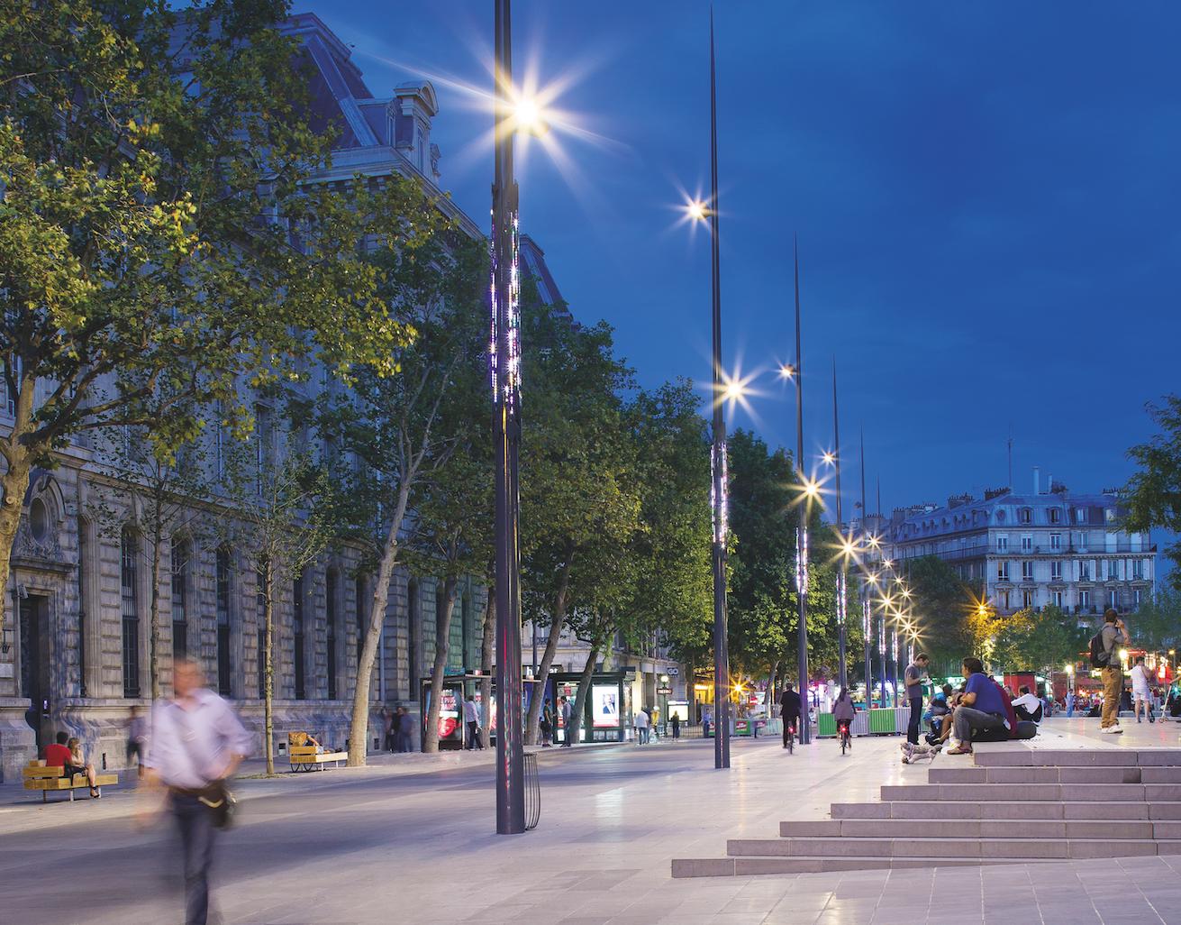 Eclairage: Place de la République, Paris
