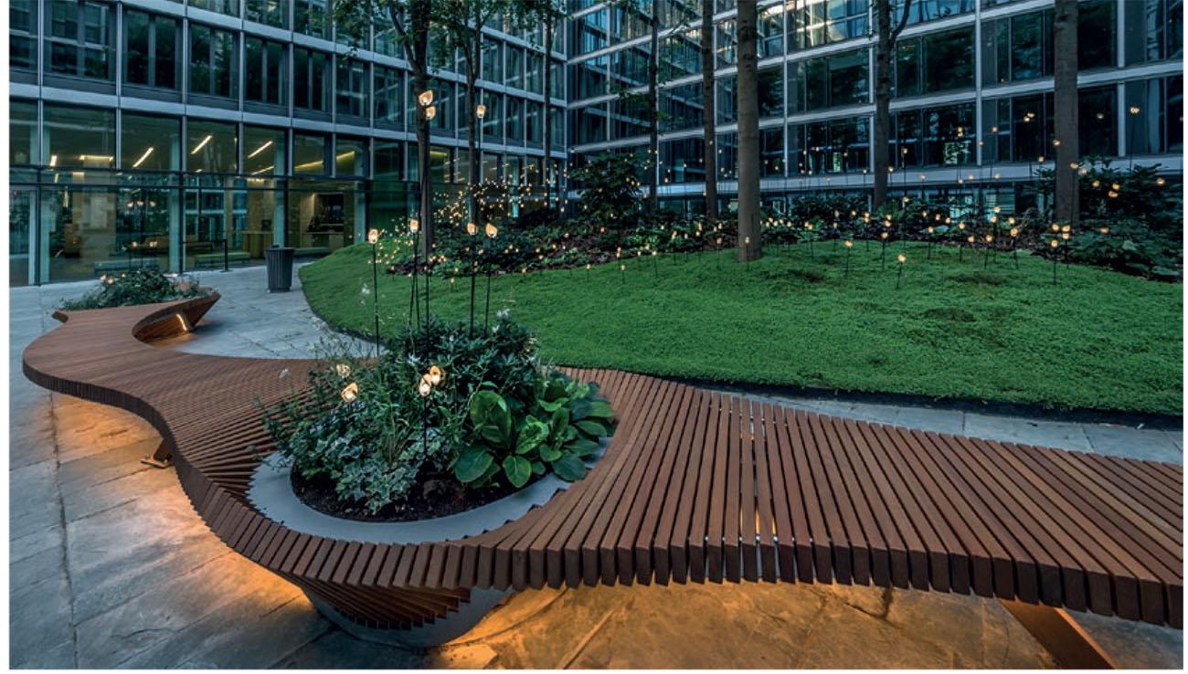 Mobilier urbain : Botanic Twist, le banc de chezTOLERIE FORÉZIENNE