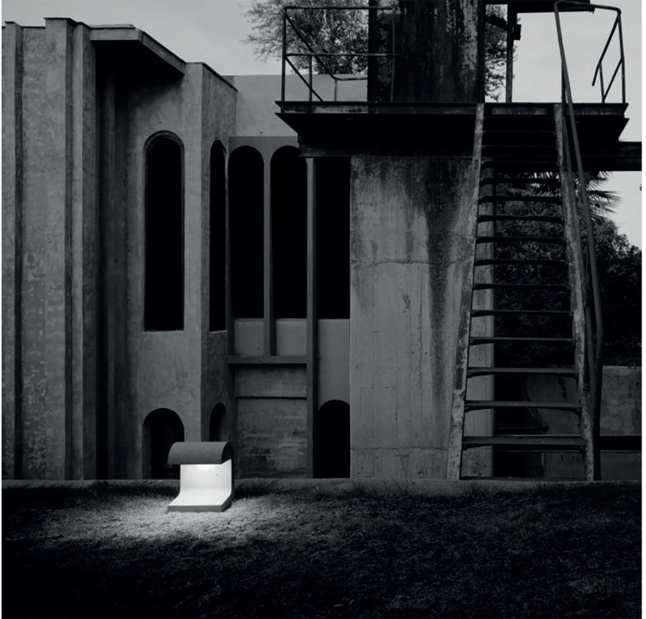 Eclairage urbain : Camouflage et Casting concrete chez Flos