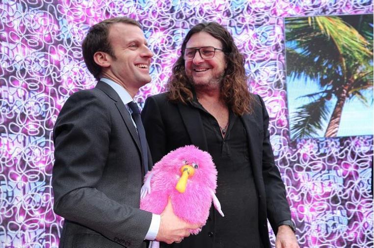 Le ministre Emmanuel macron et Jacques-Antoine Granjon, lors de l'inauguration du Vérone