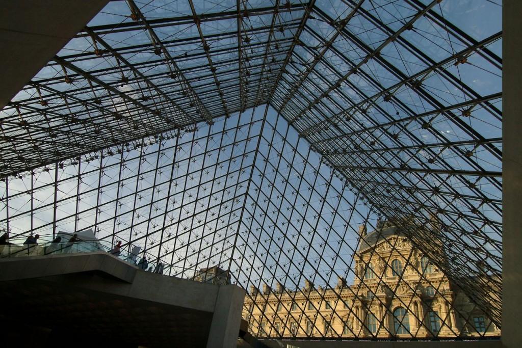 Pyramide_Charlie Abad