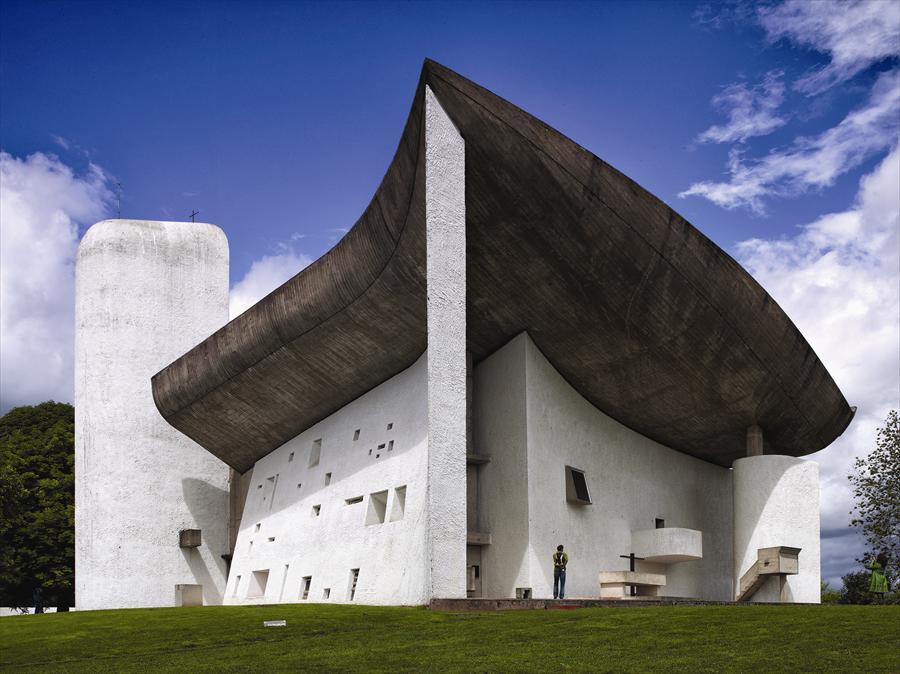 chapelle_notre_dame_ronchamp_le_corbusier_architecture_moderne