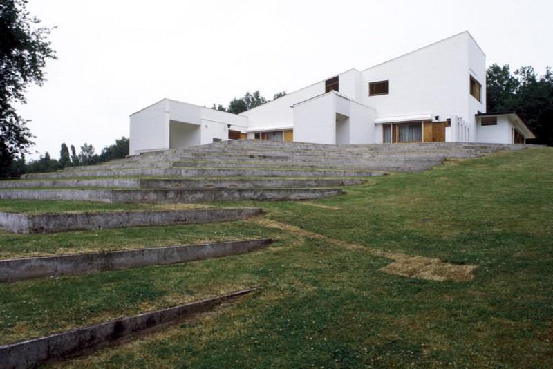 maison-louis-carre-ranska-pihalta-kuva-heikki-havas-alvar-aalto-museo-988x659