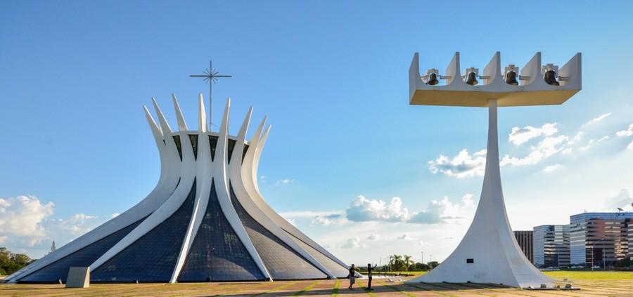 brazilia_monuments_cathédrale_de_brazilia_bresil_oscan_niemeyer
