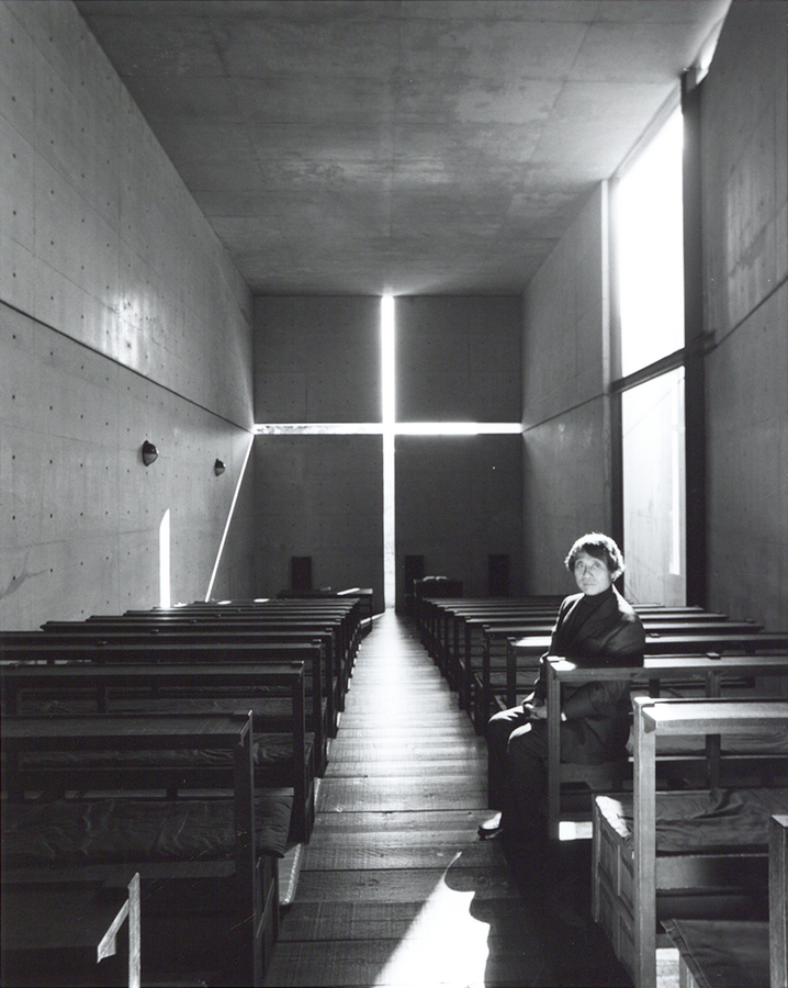 Tadao_ando_church_of_light_chapelle_de_la_lumière_portrait_lumière_archicree_Nobuyoshi_Araki