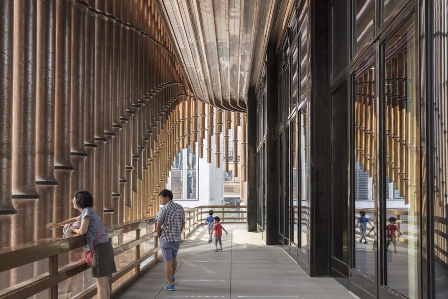 fosun_foundation_fondation_architecture_mouvante_shanghai_chine_foster_facade_coursive