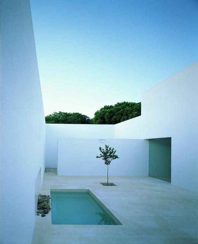 alberto_campo_baeza_maison_gaspar_espagne_cadix_minimalisme_blanc_cour_interieur