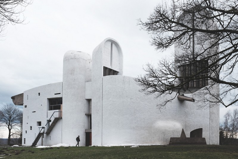 architecture_classique_basique_must_le_corbusier_corbu_architecte_chapelle_de_ronchamp_religieux_catholique_edifice